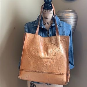 💛Patricia Nash Tan Embossed Leather Shopper Tote